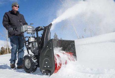 Quelle est la meilleure souffleuse à neige à essence au Canada