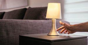Comment bien choisir une lampe de chevet