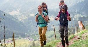 Comment choisir un Porte-bébé de randonnée